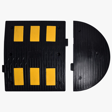 Rubber Speed Bump With Reflectors