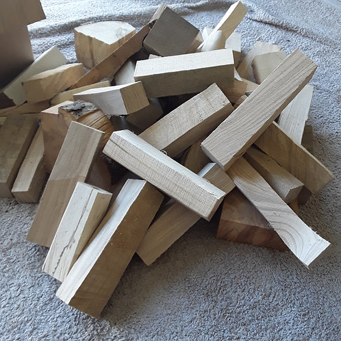 4.8kg box of mixed hardwood