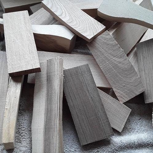 2.7kg of wood blanks