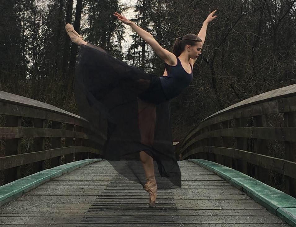 Hannah Jane McClutchey © Karatina Clutch
