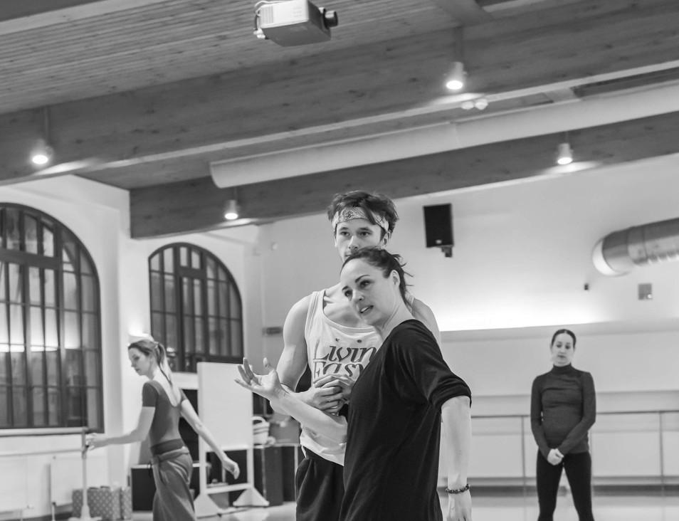Lisa Davies & Patrik Holeček © Serghei Gherciu / Czech National Ballet.