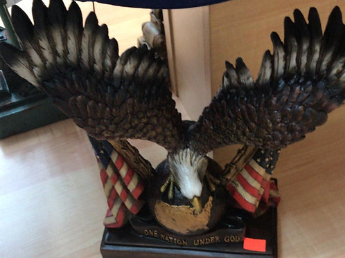 Eagle with 2 American flags