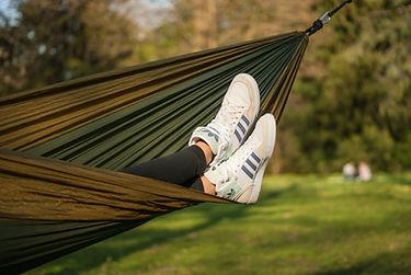 hammock-2239788_1920.jpg