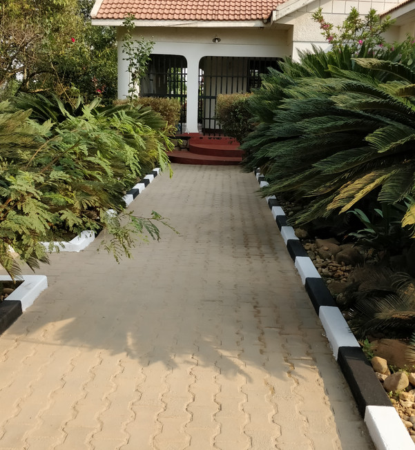 Paver cleaning, sanding and curb stone painting - residential