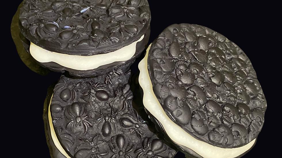 COOKIES & SCREAM   Cookies & Cream