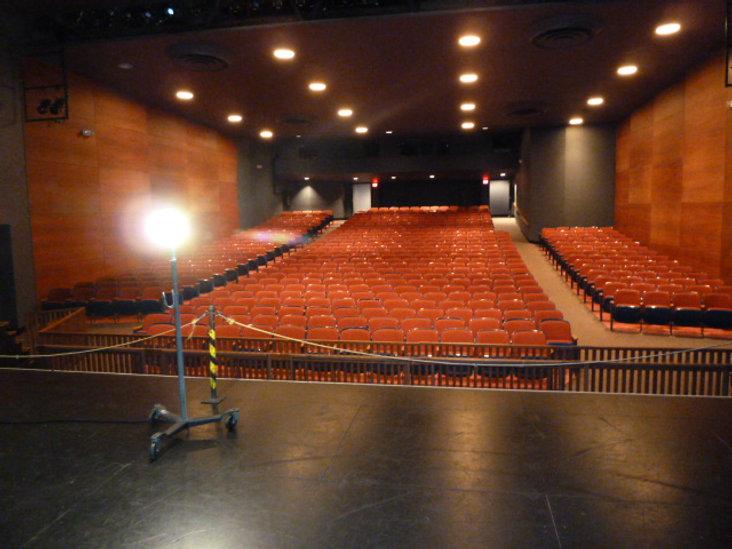 empty theatre 002.JPG