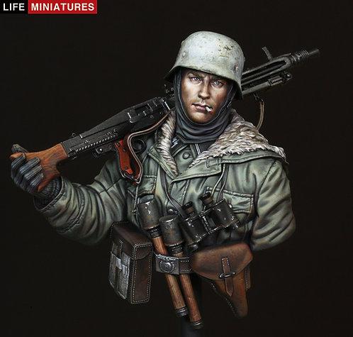 MG42 Gunner, Totenkopf Division, Kharkov 1943