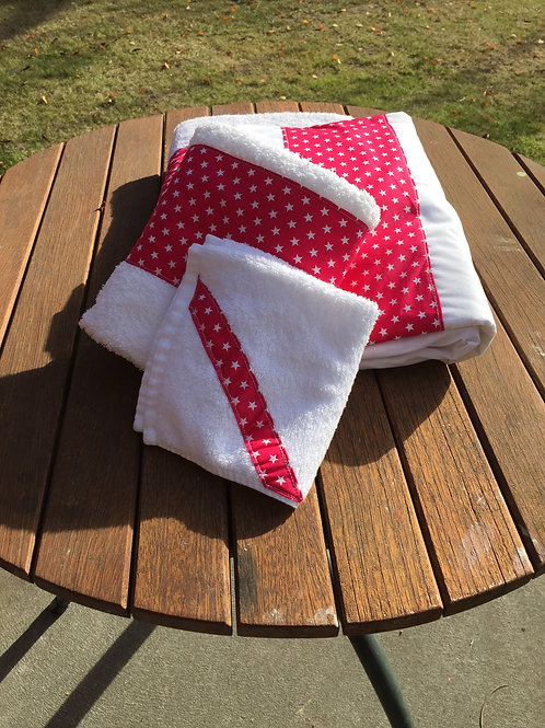 White stars on red towel set