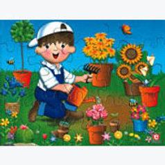 Puzzle in Box Taking Care of the Plants: Rompecabezas en caja Cuidando las Plant