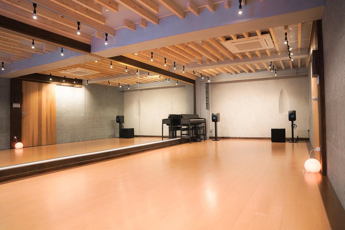 スタジオ NEW