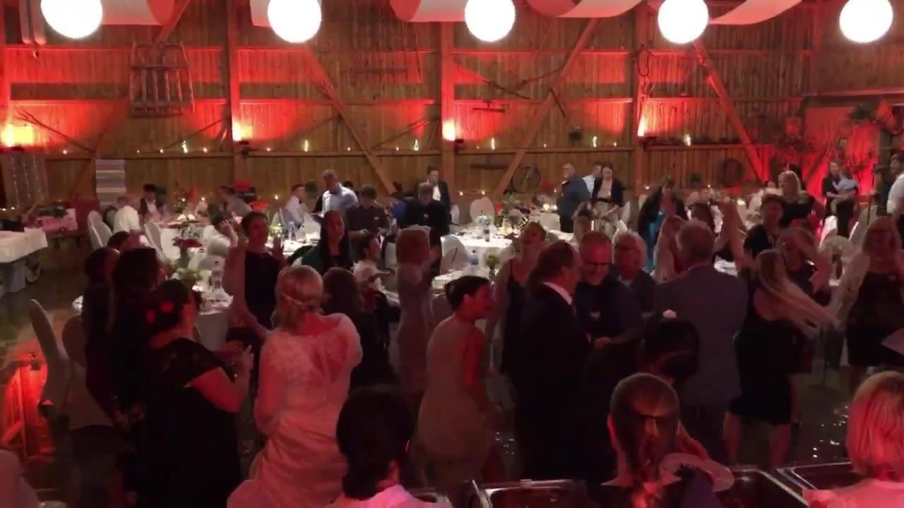 Hochzeit von meinen guten Freunden, Sarah & Sandro💕 Ich wünsche euch alle Liebe auf dieser Welt💕  #djmatchlaz #matchlazontour #djlife #djservice #clubdj #hochzeitsdj #eventdj #clubbing #hochzeit #weddingdj #wedding #hochzeitschweiz  #goodmusic #party