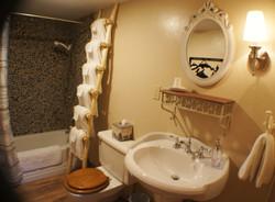 Ranch House Bath 2