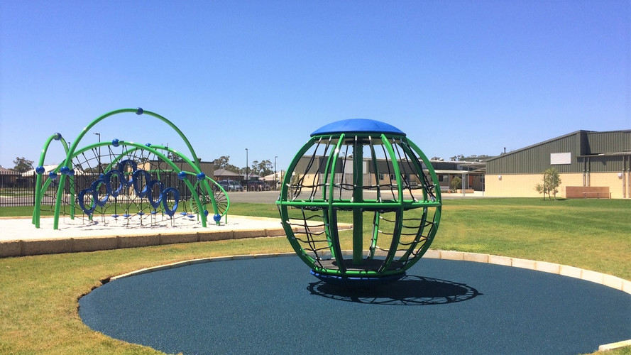 Global Motion and Evos. Perth School Supplier. Playground Equipment in blue and green. Net Play.