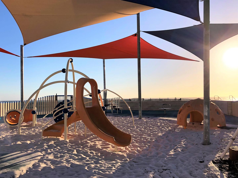 Evos Playground Design with slide and climber. Cozy Dome. Eglinton. Amberton Beach Playground Supplier.