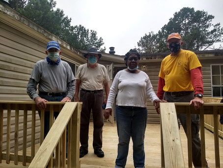 Volunteers overhaul unsafe porch for Gwinnett senior
