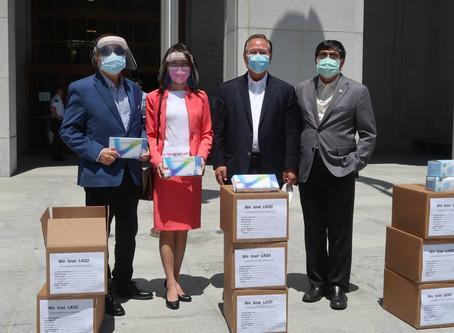 橙縣急難救助協會及臺裔僑團捐贈防護設備至洛縣警察總局