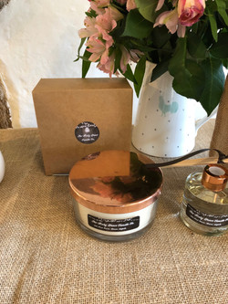 3 Wick candle with box
