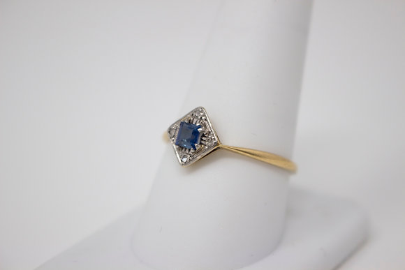 18k Gold & Platinum Natural Sapphire & Diamond Ring