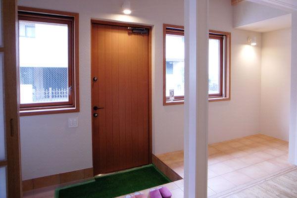 玄関|エアコンのいらない家・千葉N邸