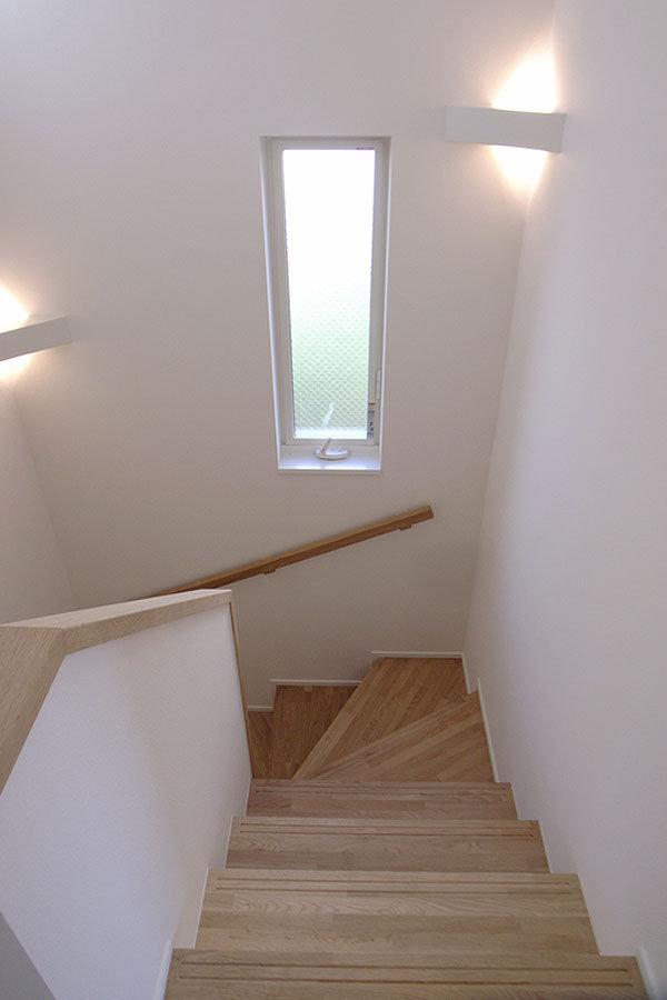 階段|エアコンのいらない家・千葉N邸