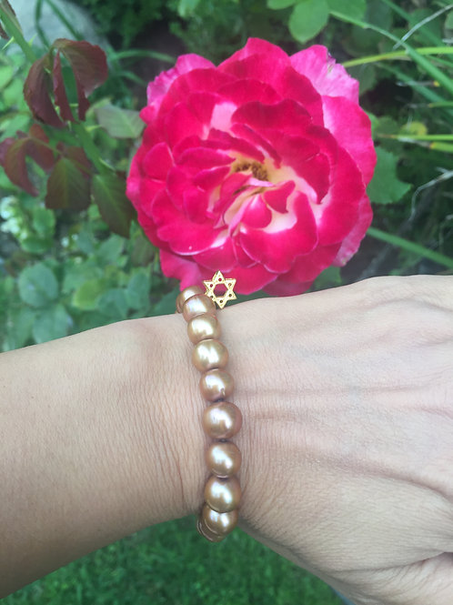10mm Brown Potato Pearl bracelet with gold Star of David