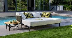 YOI-Umi-daybed-aluminium-dark-grey-aluminium-rope-green-Ki-side-table-round-60cm-alu-teak-
