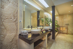 BATHROOM NAGA 1