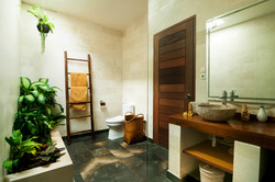 bungalow Kayu bathroom