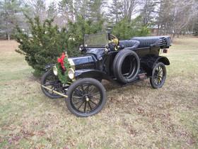 Model T Christmas 010.jpg