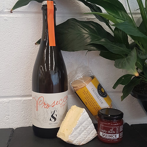 Brie & Bubbles Gift Pack