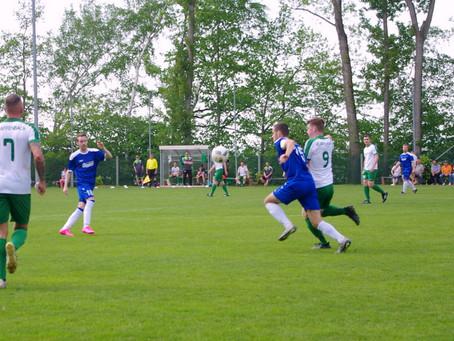1. Herren: 2:0 Sieg im Spitzenspiel – FSV erklimmt Tabellenspitze