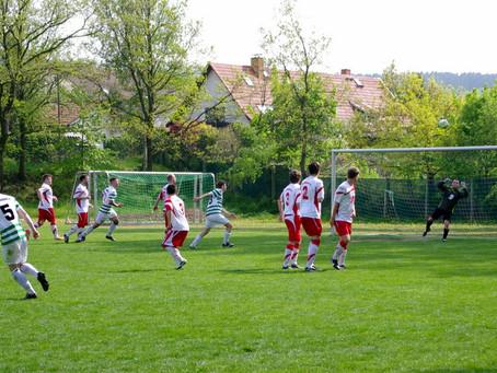 1. Mannschaft: Ungefährdeter Derbysieg gegen Neukirchen