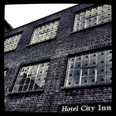 Hotel Smashed City
