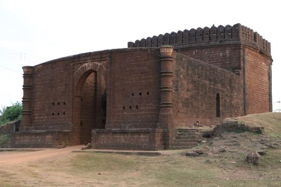 gate-of-old-fort