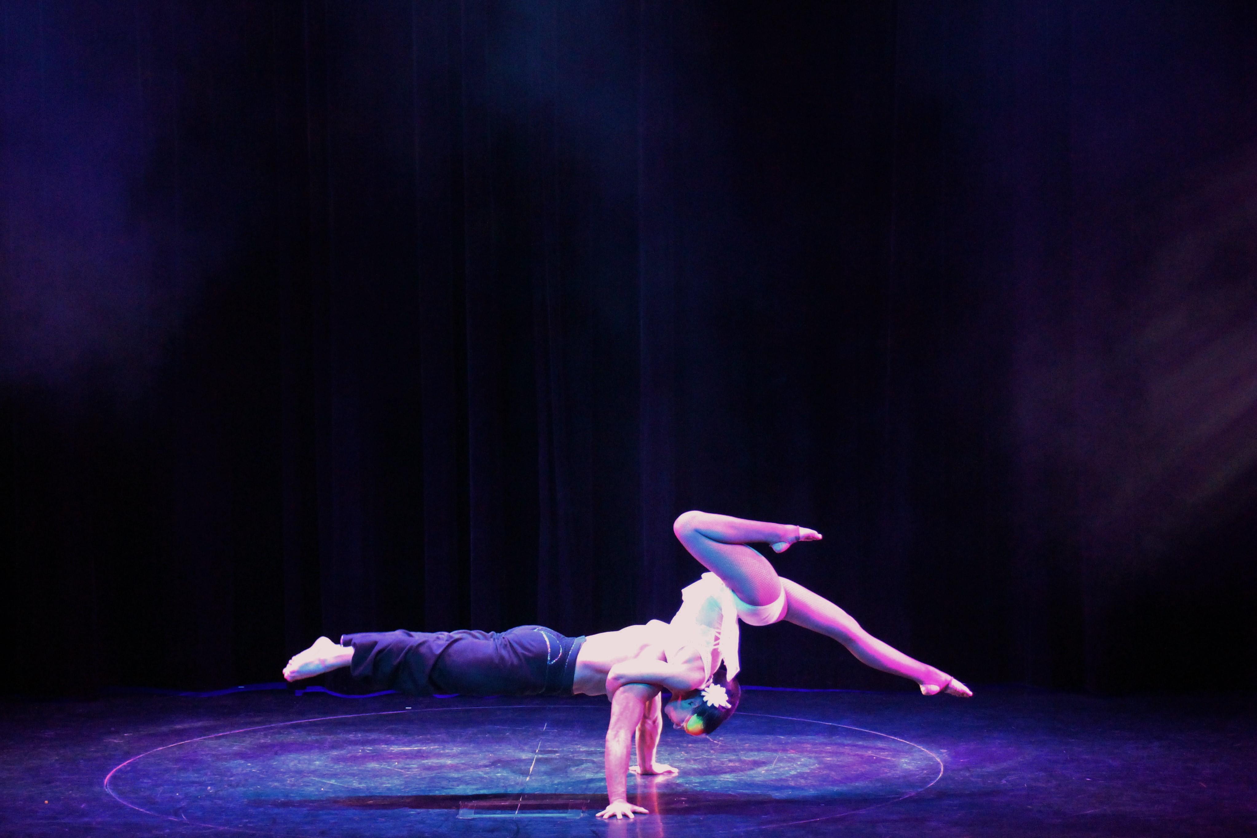 Adagio Acrobatique