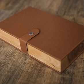 Деревянный короб с фотокарточками