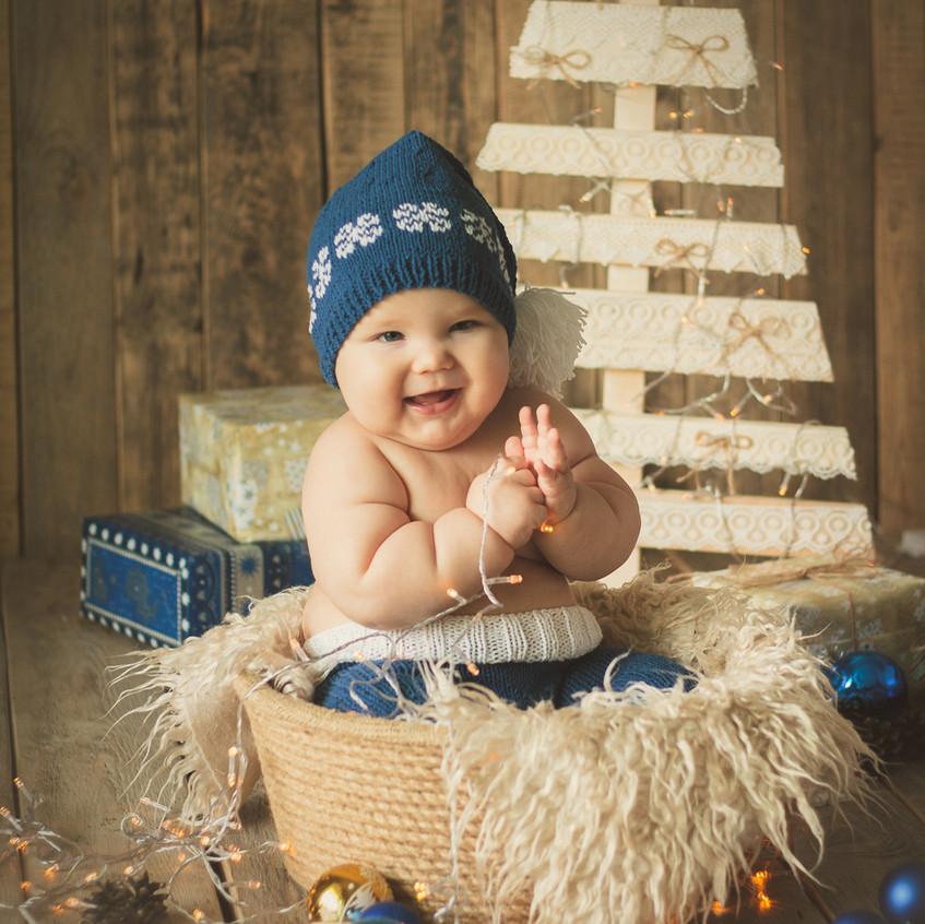 Новогодний фотодень для малышей в студии фотографа новорождённых и детей до года Ксюши Борисовой.