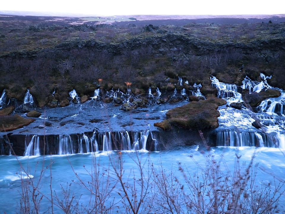 IJsland Hraunfossar Waterval - The Chunk List