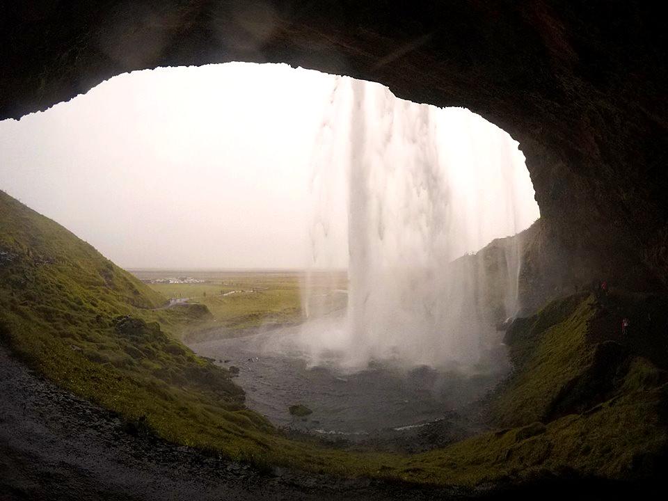 IJsland Seljalandsfoss - The Chunk List