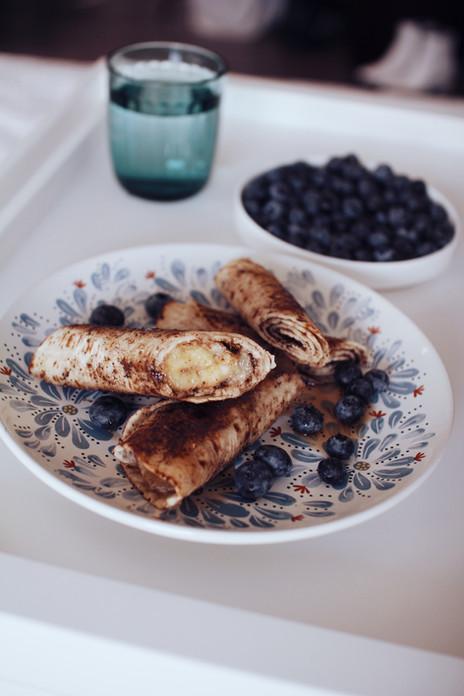Greiti pusryčiai - tortilijų suktinukai su cinamonu arba karštu bananu