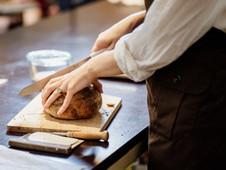 Natūralaus raugo duonos kepimas su Malsena Kepimo Akademija
