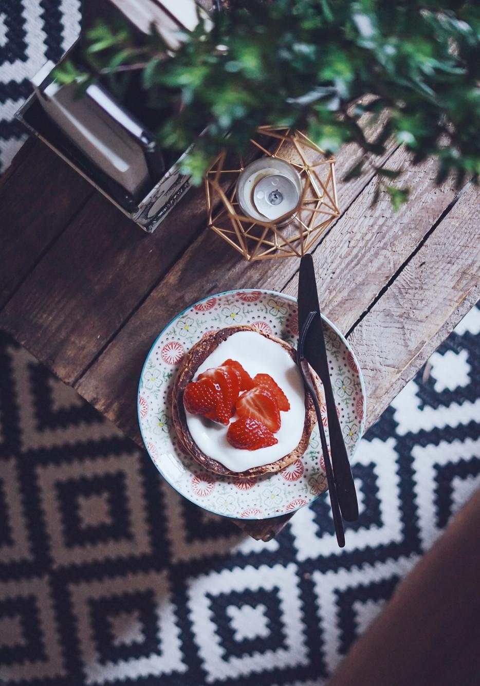 KETO blyneliai iš tepamojo sūrio ir graikiško jogurto