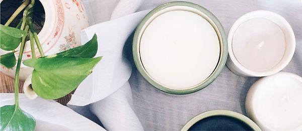 Kerzen und ätherische Öle sind ganz wunderbare Dinge für Deine Fastenzeit. Mache es Dir gemütlich und genieße es.