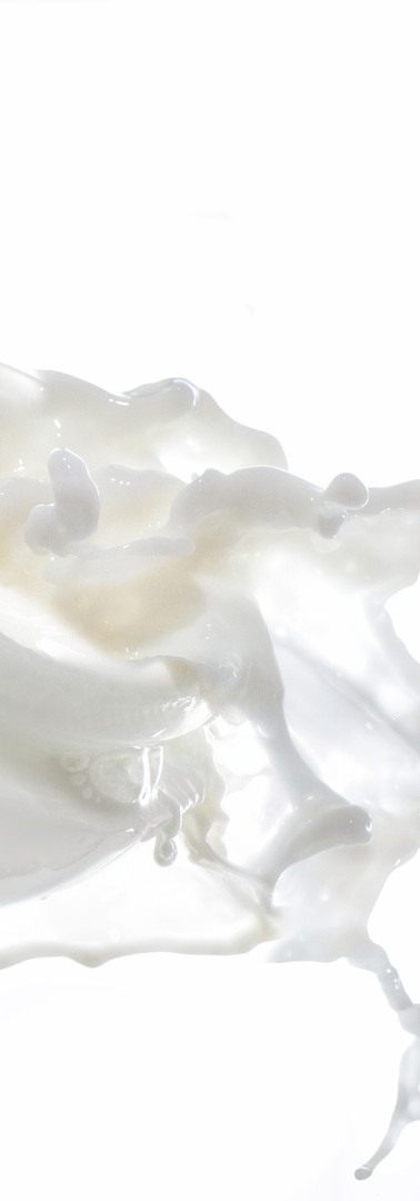 Moisturizing cream in the big milk splas