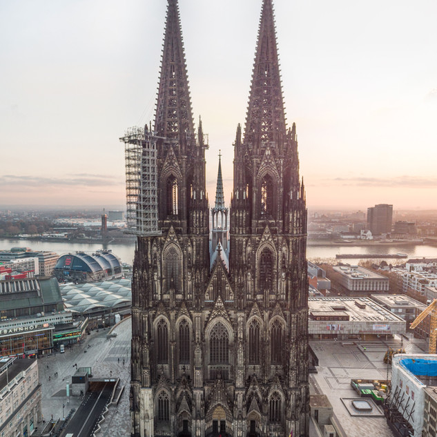Kölner Dom Dez 2020.jpg