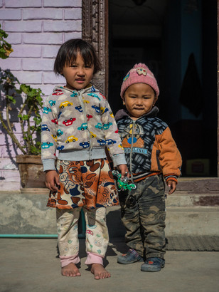 Kids from our first guest house near Langtang