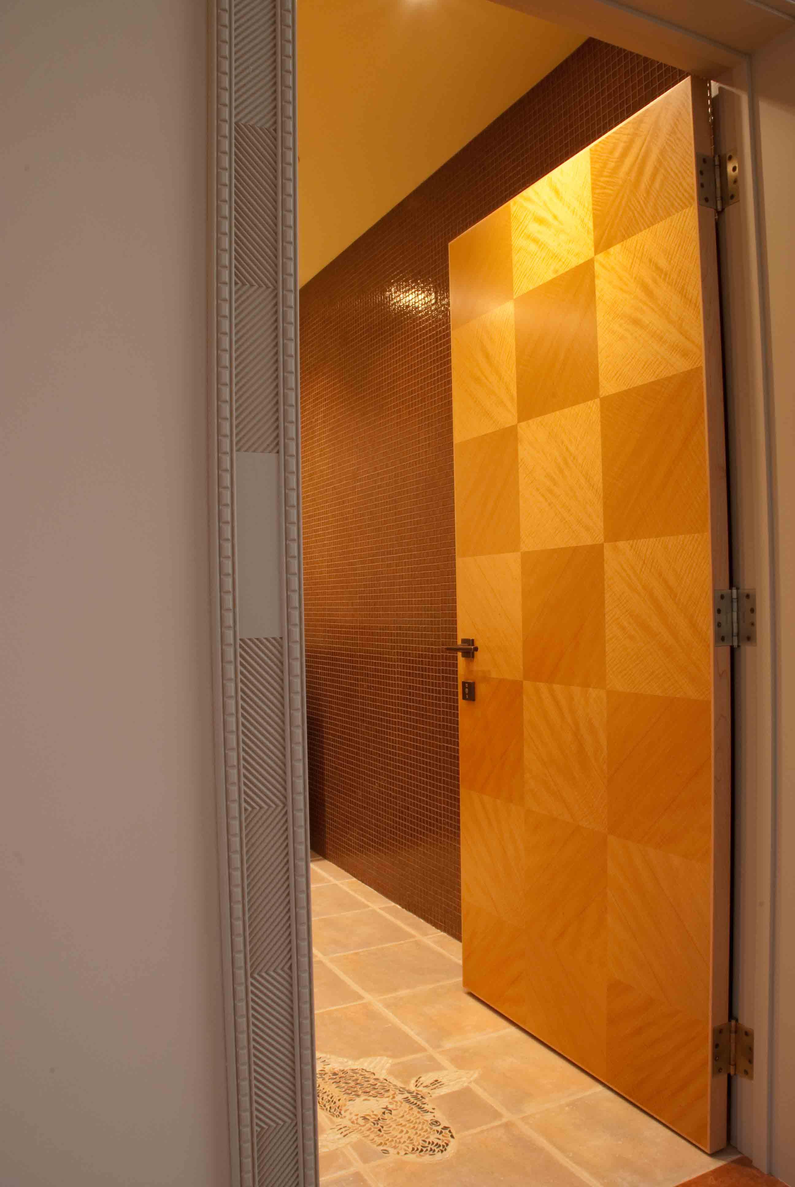 Groff Veneer Door