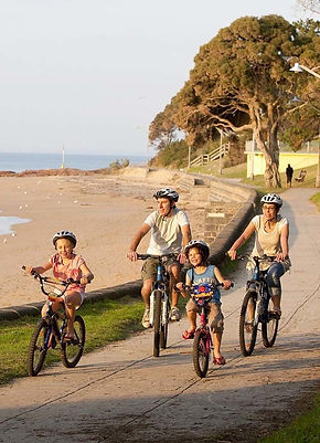 CottageforTwo is good place for family relaxing. Cowes Whale watching Phillip Island penguins phillip island hotels phillip island caravans