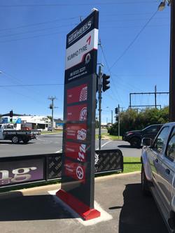 MT Wheels Pylon Sign