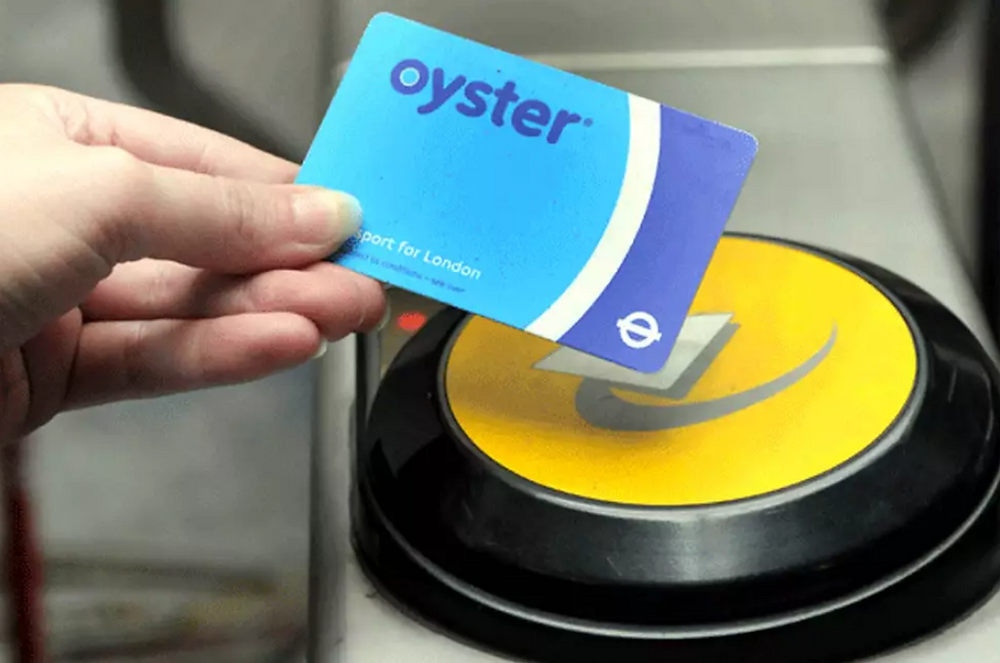 Oyster Card, London, Underground, Transport, Travel, Tourism, Train, Clapham Junction